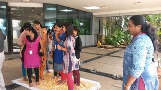 Team-building exercise during intercultural training (3)